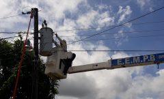 Empresa Eléctrica Repara sus equipos de distribución de electricidad