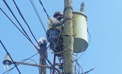 Realizan trabajos de mantenimiento a transformador